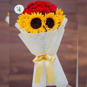 Ramo #005 – 24 rosas 8 Girasoles